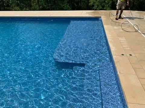 custom-staircase-vinyl-liner-pool