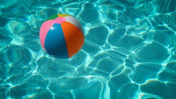 beach_ball_in_pool_img